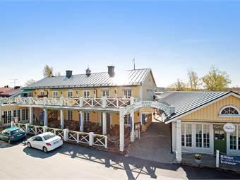 Hamngårdens huvudbyggnad med fasaden mot Fiskargatan