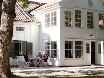 Reklamhuset Gammelgården i centrala Norrtälje