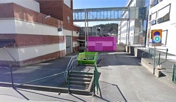 Lokalen och port är markerat i rosa