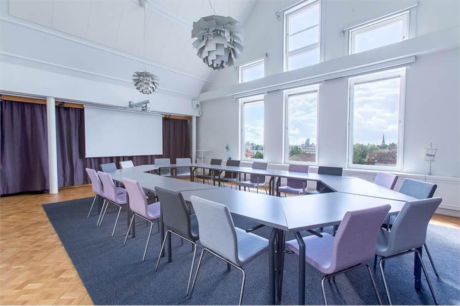 Konferensrum som är tillgängligt för hyresgäster
