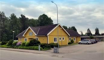 Fastigheten sedd från Rönnemyrsvägen