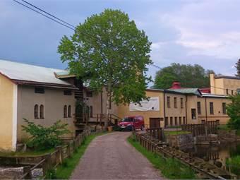 Kvarnen och Gamla fabriken på Lindbacka bruk