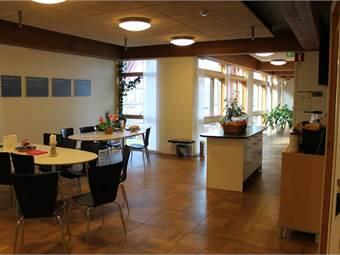 Exempel på kontorsytor i fastigheten, möblerat av hyresgästen.