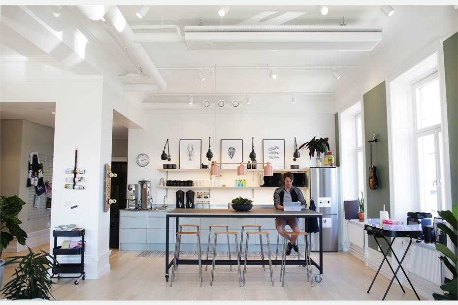 Lounge-yta och kök