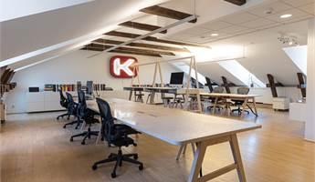 Stora kontorsrummet för 15-20 platser.
