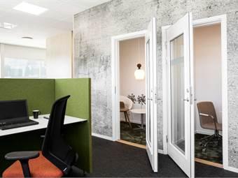 Skrivbord och kontorsum