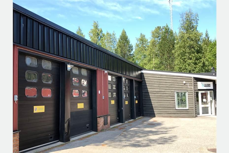 Ledig kontors- och garagebyggnad intill Hertsöcentrum.