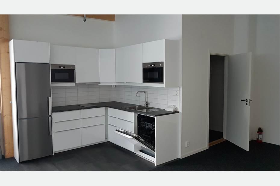 Kök och badrum med dusch övervåning