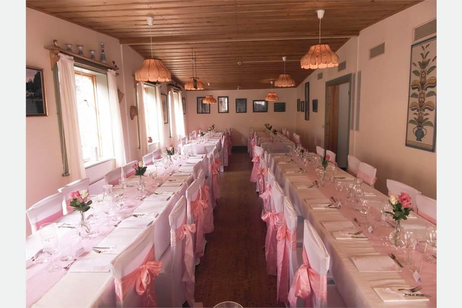 Restaurangen dukat för bröllop
