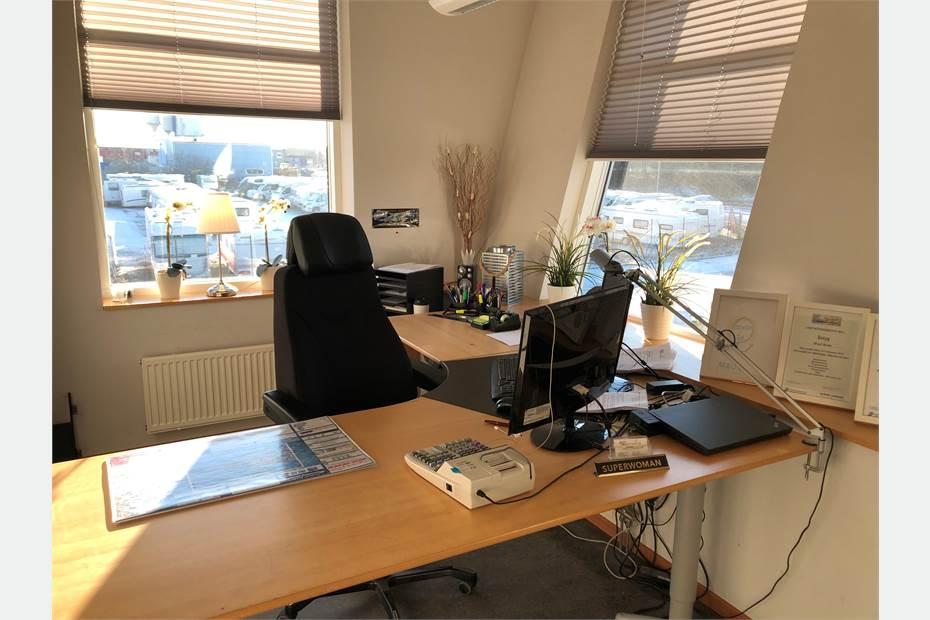 Ljus och trevlig arbetsplats på plan 2