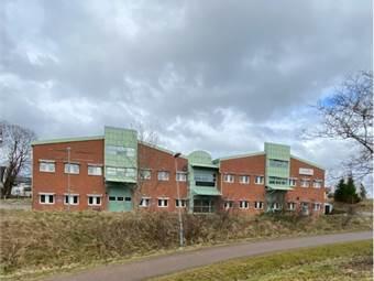 Kontorshus, centralt beläget i Lerums kommun
