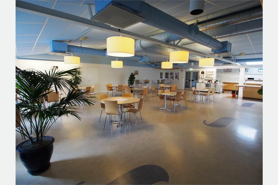 Gemensam matsal i angränsande byggnad, Karpalundsvägen 39, Kristianstad, Kristianstad - Lager/Logistik