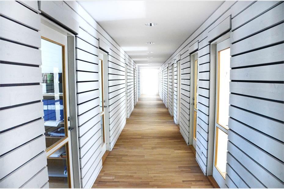 Business Community - korridor