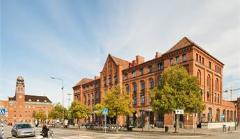 Modernt kontor i klassisk byggnad