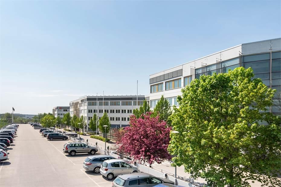 Kista Front erbjuder gott om parkerings- och elladdningsplatser