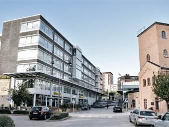 Modern fastighet mitt i Sicklas industrikvarter