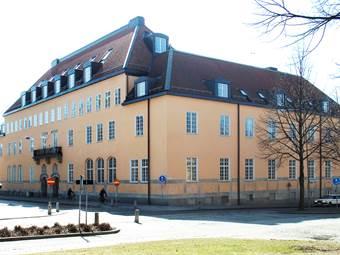 Fasad mot Västra Kyrkogatan/Biskopsgatan